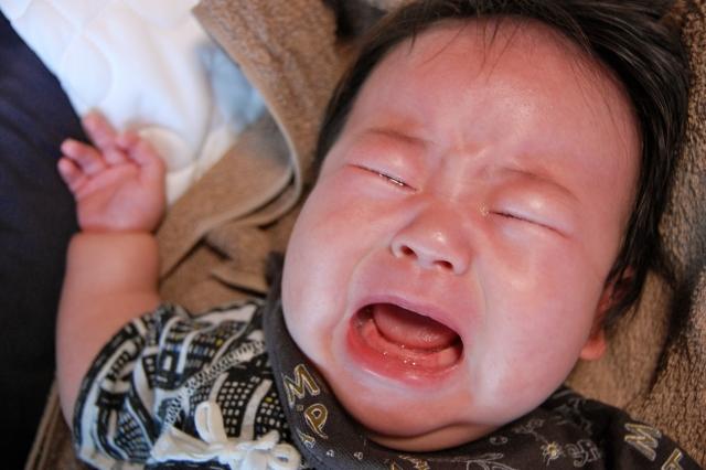 赤ちゃんが白いうんち&漏れるほどの水便の下痢!原因と対処法