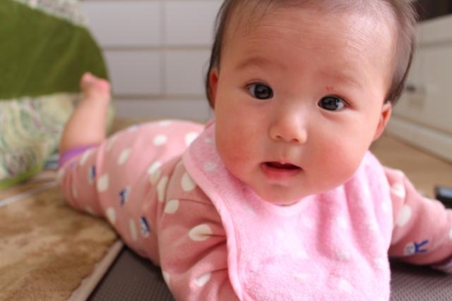 赤ちゃんに目薬を入れるポイント
