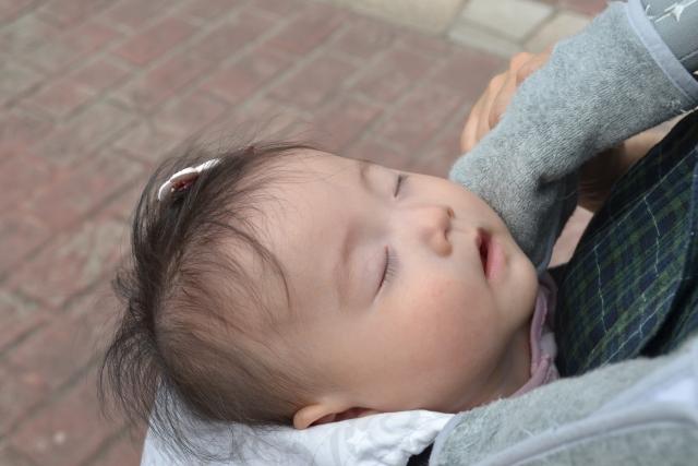赤ちゃんの寝かしつけに子守歌がいい?