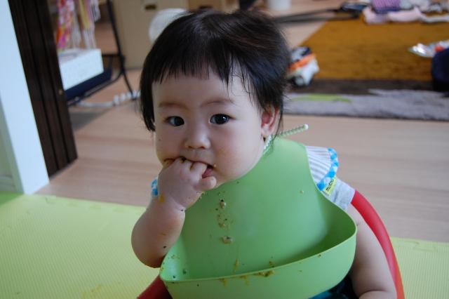 赤ちゃんの離乳食におすすめのエプロン