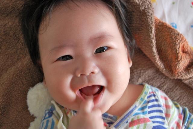 赤ちゃんの爪はなぜ割れたり剥がれたりしやすい?