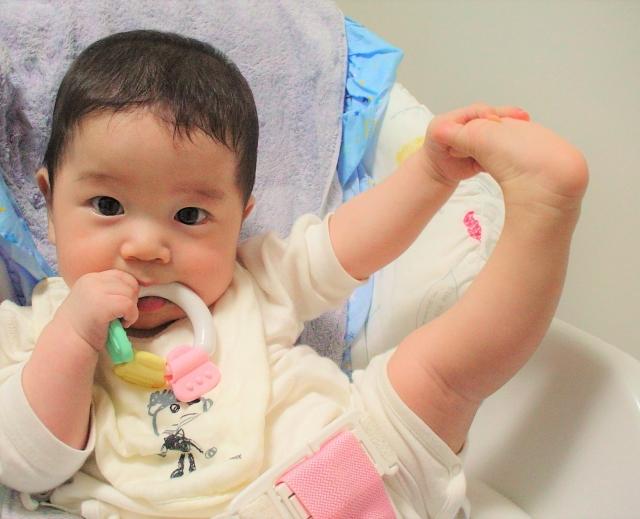 赤ちゃんとの添い寝のリスク