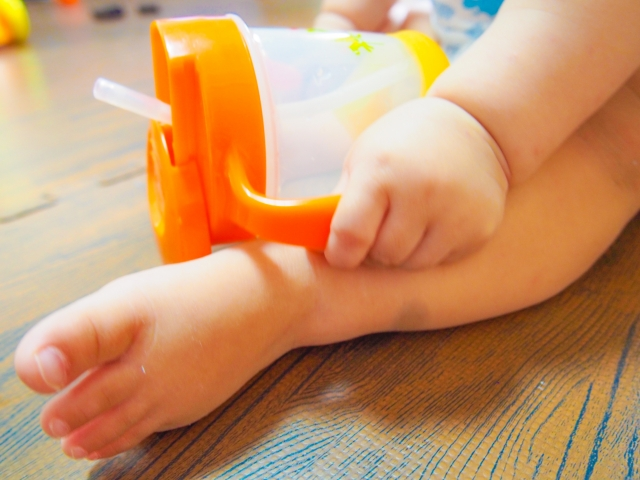 赤ちゃんがストローを嫌がるのはよくある?