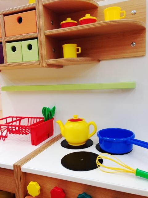 赤ちゃんにとってどうしても危ないキッチンや階段はベビーゲート