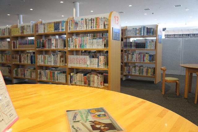 図書館に絵本を探しに行こう