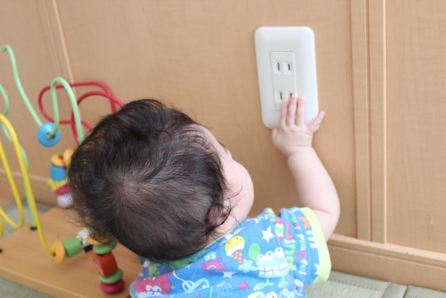 赤ちゃんのコンセントや電源コードに関係する事故